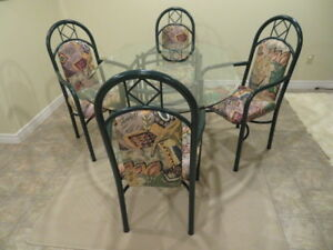 OBLONG GLASS TABLE WITH 4 HIGH-BACKED ARMED CHAIRS