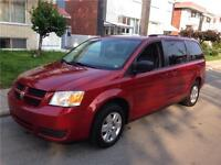 2010 DODGE CARAVAN **STOW N GO. 118 000km-IMPECABLE. 7900$$