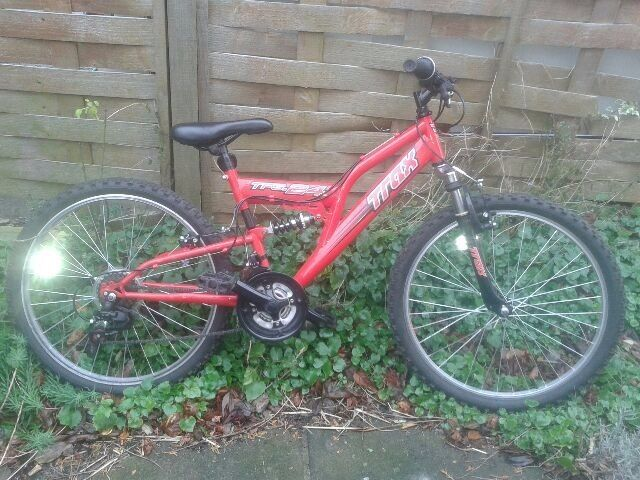 "boys mountain bike 24""inches very good condition"