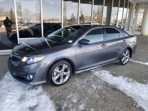 2014 Toyota Camry SE; LOW KMS, BLUETOOTH, BACKUP CAM, A/C AND MO