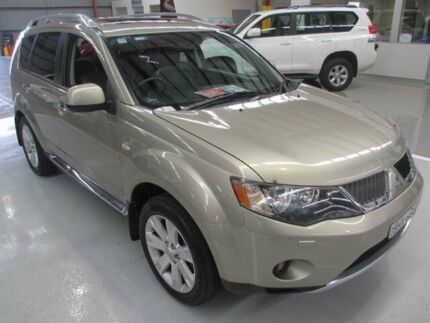 2008 Mitsubishi Outlander ZG MY09 XLS Gold 6 Speed CVT Auto Sequential Wagon Maryville Newcastle Area Preview