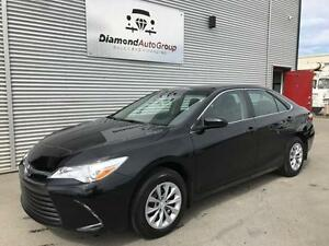 2017 Toyota Camry LE! CLEAN CARPROOF! ONLY 3900 km!