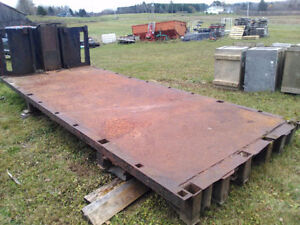 19 foot dump body with hoist and log pockets