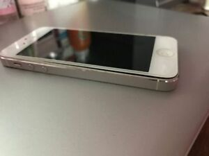 iPhone 5 White 16gb UNLOCKED London Ontario image 1