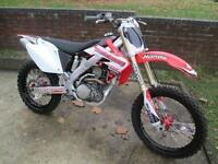 Honda CRF 250 R MOTORCROSS MOTORCYCLE