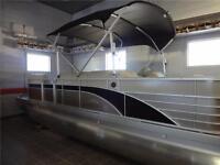 Bennington Pontoon Boat - Tri-Toon with a 150 HP Yamaha 4-Stroke