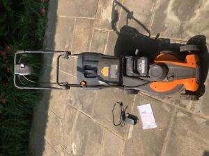 WORX lawnmower - great condition. Barely used.