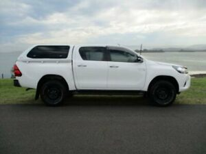 2015 Toyota Hilux GUN126R SR (4x4) White 6 Speed Automatic Dual Cab Utility Dapto Wollongong Area Preview