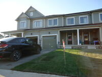 3 Bedrooms 2,5 Bath Freehold Townhouse for Sale Niagara Falls