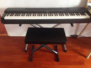 PIANO NUMÉRIQUE YAMAHA P255 (LOCATION)