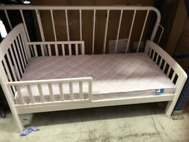 Childs bed small