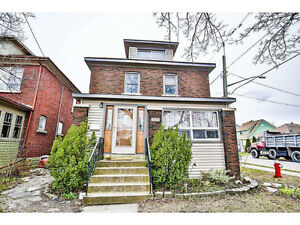 Very Large 1bdrm in the heart of Niagara Falls