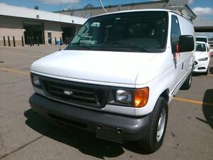 2006 Ford E-150 ECONLINE CARGO VAN ONLY 84,000 KM!!!