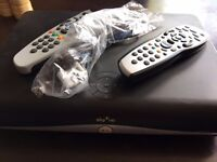 Sky HD+ Box and remote (1)