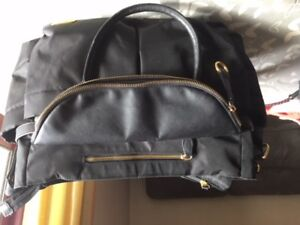Skip hop chelsea downtown chic city diaper bag in black