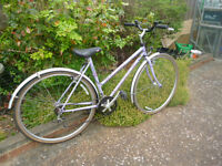 20 inch frame ladies womans hybrid bike bicycle. . Suit 5'5 - 5'9 rider approx