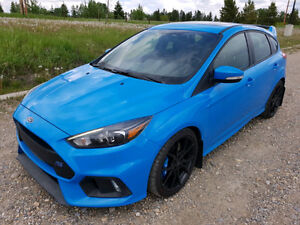 2017 Ford Focus RS Hatchback $229 bi-weekly lease takeover 0%