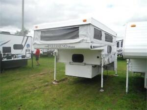 2012 Palomino B1251 Pop Up truck camper with bathroom