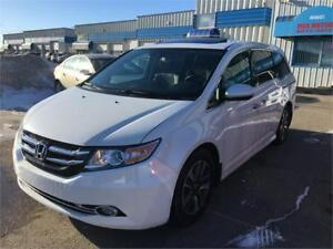 2015 Honda Odyssey Touring w/RES & Navi/SUNROOF/CAMERA/LEATHER