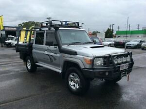 TOYOTA LANDCRUISER GXL 2012 DUAL CAB 4DOORS  4.5DT V8 4X4 DIFF LOCK LOW KMS  SILVER POWER WINDOWS AI Lansvale Liverpool Area Preview