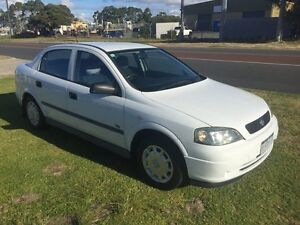 2000 Holden Astra TS CD White Manual Hatchback Wangara Wanneroo Area Preview