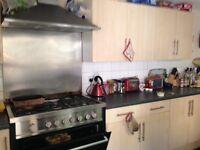 8 BEDROOM STUDENT HOUSE NEAR PRESTON CIRCUS, Beaconsfield Road (Ref: 224)