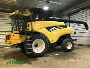 2006 New Holland CR970  COMBINE
