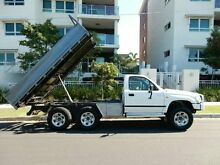 2002 Toyota Hilux VZN167R MY02 White 5 Speed Manual Cab Chassis Redcliffe Redcliffe Area Preview