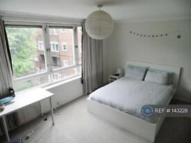 1 bedroom in Ollgar Close, London, W12