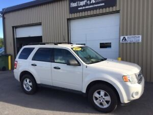 2010 Ford Escape XLT FWD CLEAN