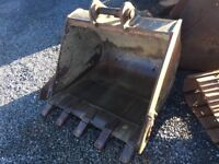 AS NEW 4ft Bucket to suit 13ton Digger or Similar - 65mm pin