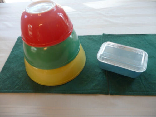 Set of 4, Fabulous 50s Mixing Bowls & Food Container - Yellow & Green & Red