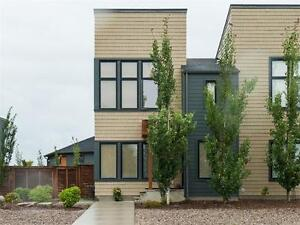 GORGEOUS 3BR TOWNHOME IN WALDEN