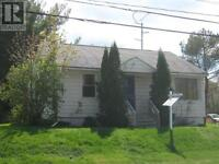 4 Bedroom House ~ 3 mins from UNB and STU
