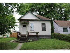LOCATION!!! Comfortable Bung in the heart of desired St Boniface