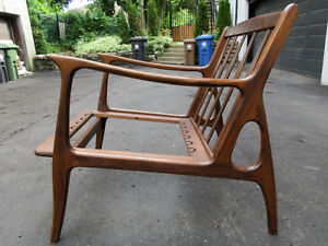 1950 SCANDINAVIAN MID-CENTURY MODERN WALNUT WOOD ARMCHAIR CHAIR
