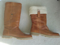 Ladies Calf length Boots size 41 (7.5) Very soft leather & fur lined - £75.00