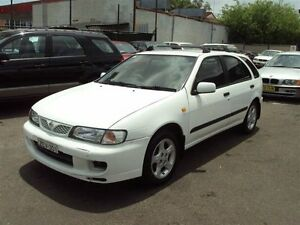 2000 Nissan Pulsar N15II SSS White 5 Speed Manual Hatchback Punchbowl Canterbury Area Preview