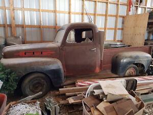 1952 Mercury M100 1/2 ton truck