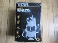 Titan TTB499PMP Water Pump Titan Submersible RCD 540W 225Ltr/min Float Switch