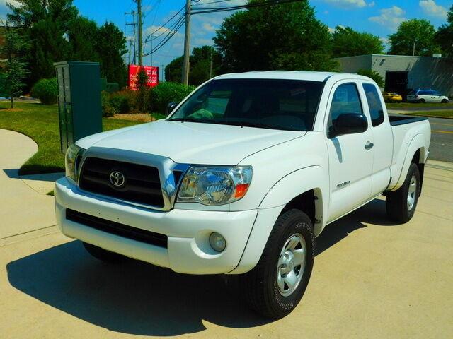 Image 1 of 2008 Toyota Tacoma White…
