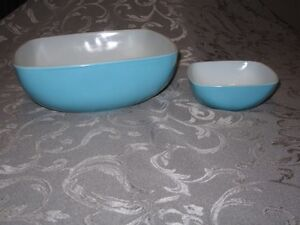 Vintage Turquoise Pyrex Chip and Dip Set