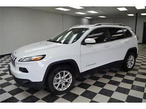 2016 Jeep Cherokee North 4X4 - U-Connect**LOW KMS**Keyless Entry