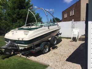 2000 Caravelle fish and ski boat with trailer