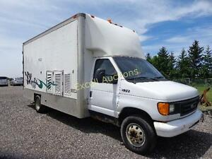 2003 Ford E-450 Series  Cube Van London Ontario image 1