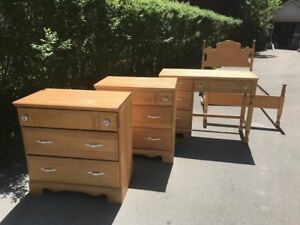 bedroom set - twin bed, 2 dressors, and a desk