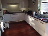 Large stylish White Gloss Kitchen only 5 years old