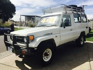 1997 Toyota Landcruiser FZJ75RV (4x4) 11 Seat 5 Speed Manual 4x4 TroopCarrier Brooklyn Brimbank Area Preview