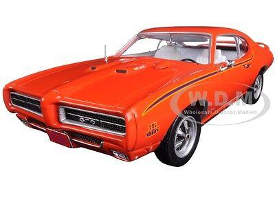 1969 Pontiac Gto Judge Orange Ltd 1002Pc 1 18 Diecast Model By Autoworld Amm1058