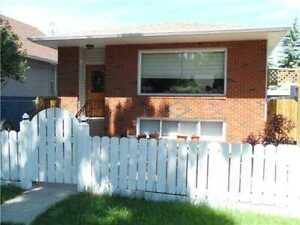 Room for rent in Bonnie Doon available immediately